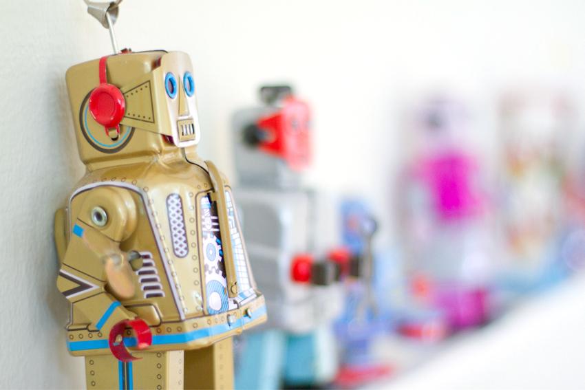 Robotar på WonderBrands kontor
